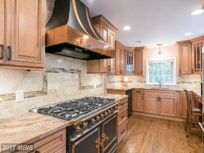 Alexandria Single Family Home For Sale: 2406 Cameron Mills Road