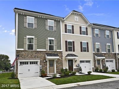 Baltimore Townhouse For Sale: 8224 Secluded Cove Lane