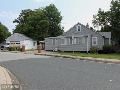 Baltimore Single Family Home For Sale: 9227 Belair Road