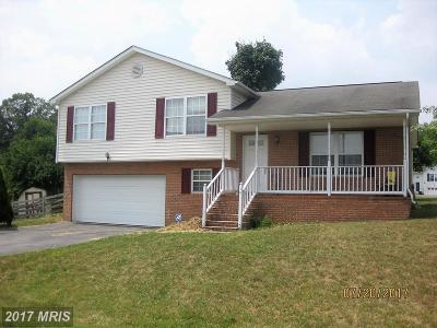 Martinsburg Single Family Home For Sale: 16 Ladyslipper Court