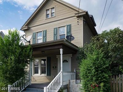 Martinsburg Single Family Home For Sale: 135 Pennsylvania Avenue