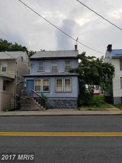 Martinsburg Single Family Home For Sale: 550 Queen Street