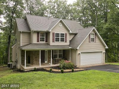 Hedgesville Single Family Home For Sale: 369 Sawmill Road