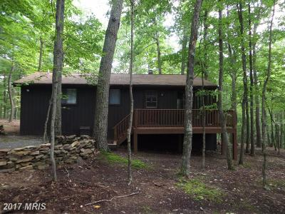 Hedgesville Single Family Home For Sale: 180 Algonquin Trail