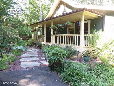 Hedgesville Single Family Home For Sale: 194 Wintercamp Trail