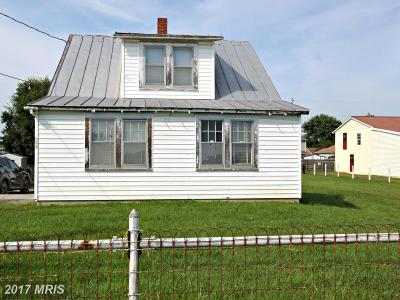 Martinsburg Single Family Home For Sale: 129 Warm Springs Avenue