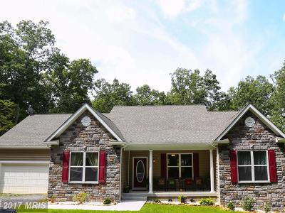 Hedgesville Single Family Home For Sale: 682 Baxter Road