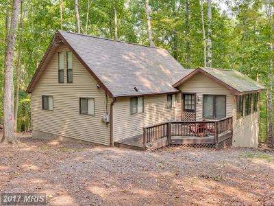 Hedgesville Single Family Home For Sale: 121 Saponi Trail
