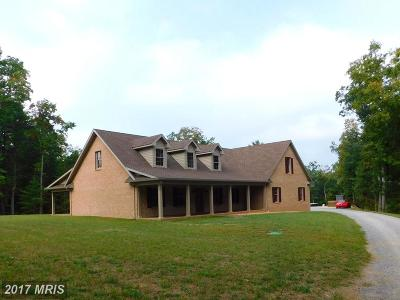 Hedgesville Single Family Home For Sale: 809 Rustic Tavern Road