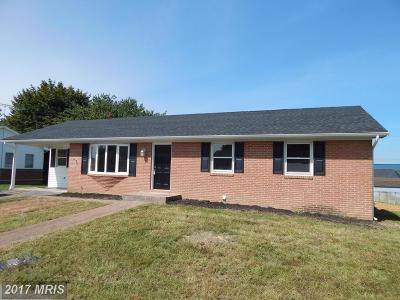 Martinsburg Single Family Home For Sale: 30 Madera Drive