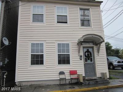 Martinsburg Single Family Home For Sale: 115 Spring Street
