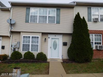 Martinsburg WV Townhouse For Sale: $90,000