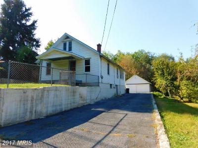 Martinsburg WV Single Family Home For Sale: $77,000