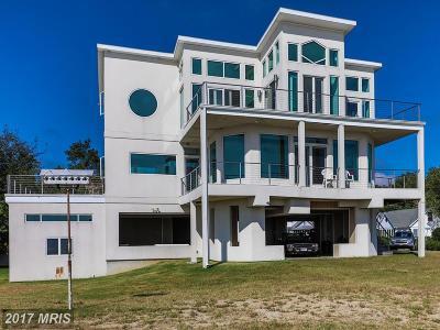 Huntingtown Single Family Home For Sale: 2725 Beach Drive