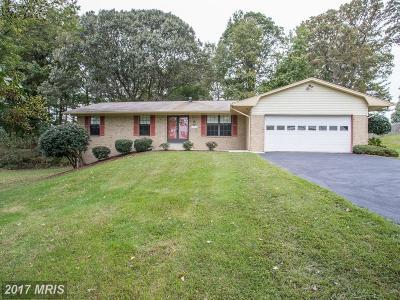 Dunkirk Single Family Home For Sale: 11206 Oakwood Drive