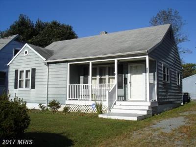 Elkton Single Family Home For Sale: 606 Elkton Boulevard