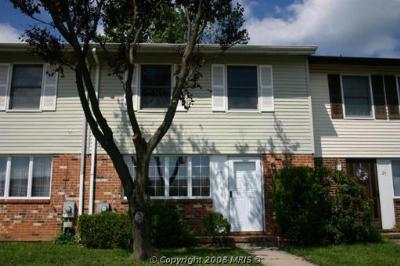 Elkton MD Condo/Townhouse Upgraded Townhome: $148,900