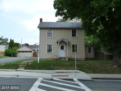 Rising Sun Single Family Home For Sale: 202 Main Street
