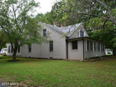 La Plata Single Family Home For Sale: 8325 Poorhouse Road