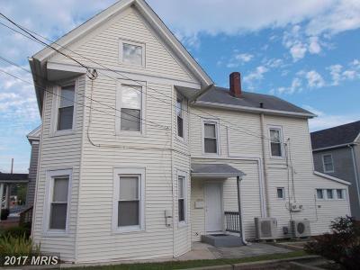 Denton Rental For Rent: 303 Franklin