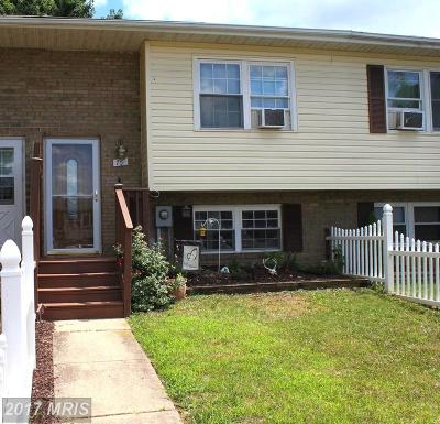 Townhouse For Sale: 75 Carnival Drive
