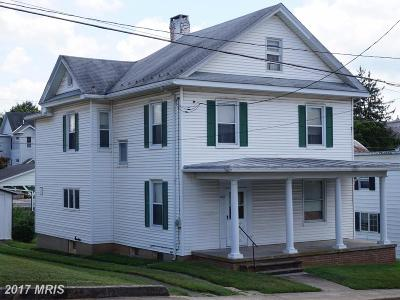 New Windsor Single Family Home For Sale: 407 Main Street