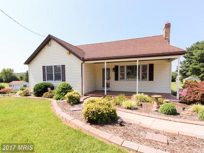 Westminster Single Family Home For Sale: 3854 Littlestown Pike