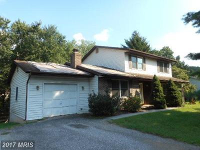 Eldersburg Single Family Home For Sale: 6425 Locust Lane