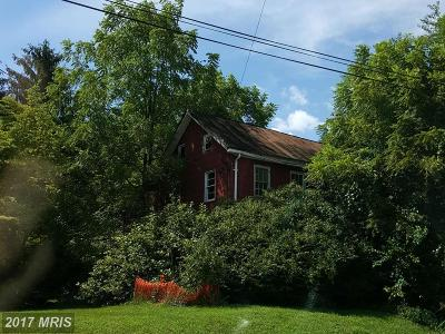 Single Family Home For Sale: 2540 Littlestown Pike