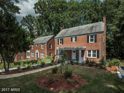Washington Single Family Home For Sale: 2132 32nd Place SE