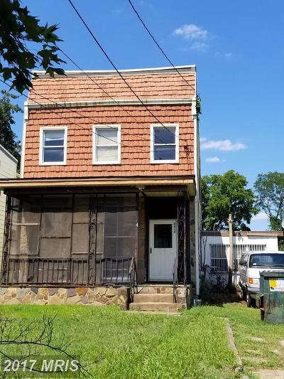 Single Family Home For Sale: 4414 Douglas Street NE