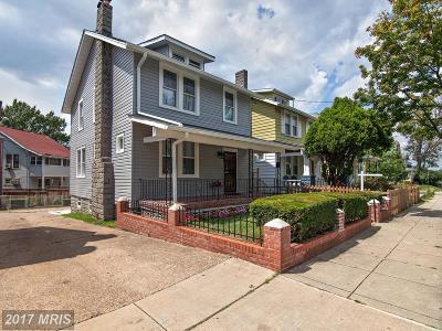 Washington Single Family Home For Sale: 3416 24th Street NE