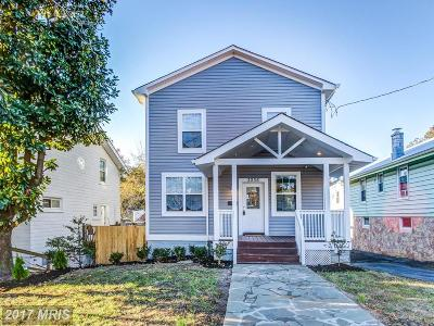 Washington Single Family Home For Sale: 3036 Vista Street NE