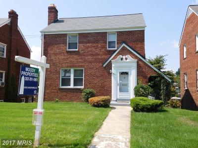 Washington Single Family Home For Sale: 1833 41st Place SE