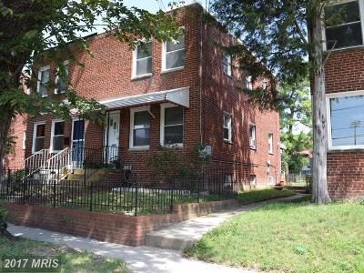 Washington Condo For Sale: 582 Nicholson Street NE
