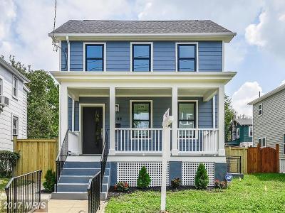 Woodridge Single Family Home For Sale: 3909 22nd Street NE