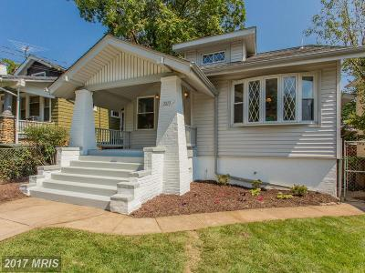 Washington Single Family Home For Sale: 2813 26th Street NE
