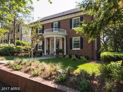 Washington Single Family Home For Sale: 2915 34th Street NW