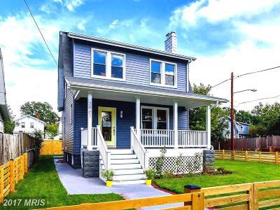 Woodridge Single Family Home For Sale: 3901 20th Street NE