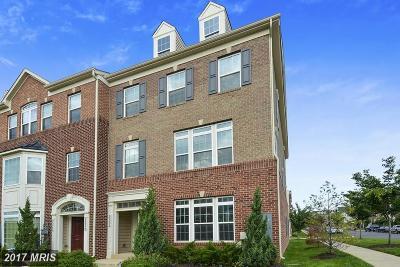 Fort Lincoln Condo For Sale: 2508 Hurston Lane NE #9