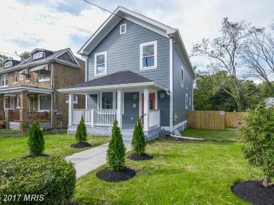 Woodridge Single Family Home For Sale: 2228 Otis Street NE