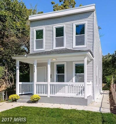 Washington Single Family Home For Sale: 4400 Douglas Street NE