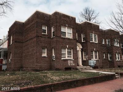 Washington Multi Family Home For Sale: 900 5th Street NE