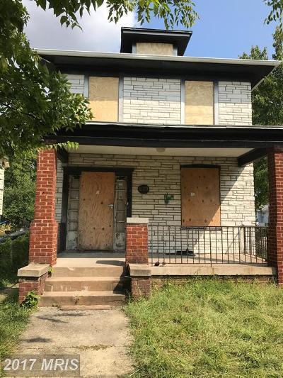 Single Family Home For Sale: 823 46th Street NE
