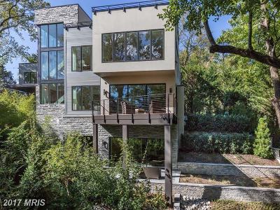 Washington Single Family Home For Sale: 2905 University Terrace NW