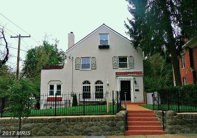 Washington Single Family Home For Sale: 1620 Underwood Street NW