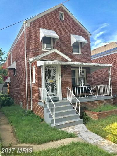 Washington DC Single Family Home For Sale: $450,000