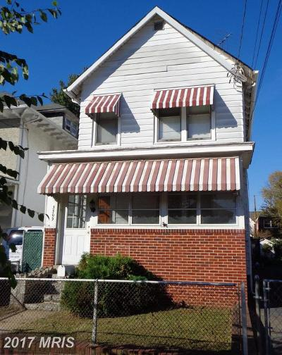 Single Family Home For Sale: 3309 5th Street SE