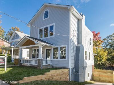 Woodridge Single Family Home For Sale: 3005 26th Street NE