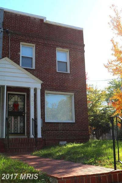 Washington Duplex For Sale: 501 42nd Street NE